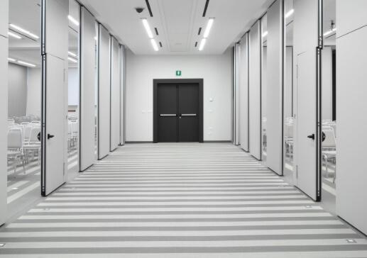 División de espacios en oficina